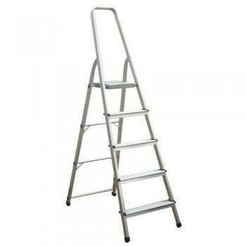 Escalera de aluminio con 5 peldaños