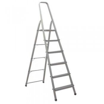 Escalera de aluminio con 6 peldaños